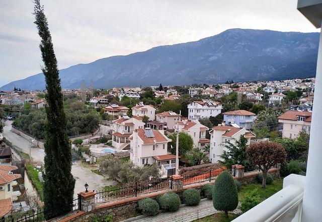 דירת דופלקס 2 חדרי שינה עם נוף הרים יפיפה ובריכת שחייה משותפת
