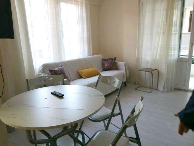 דירת חדר מרווחת ויפה במיקום מרכזי