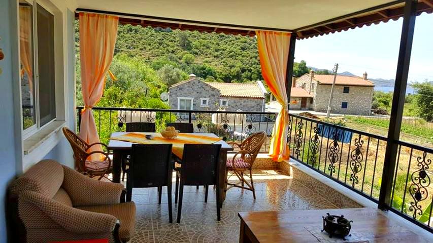 וילה מדהימה 4 חדרי שינה, הממוקמת בכפר שקט במרחק נגיעה מהים