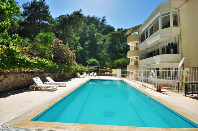 דירת 3 חדרי שינה, במרחק הליכה מהמרינה עם בריכת שחייה משותפת ונוף נהדר